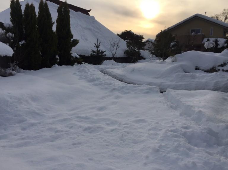 豊野町民家の除雪3