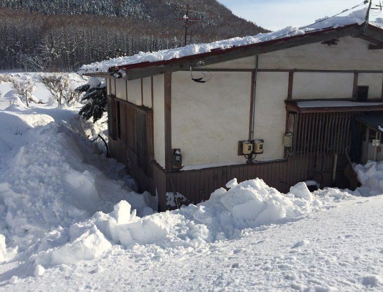 信濃町の雪下ろし1