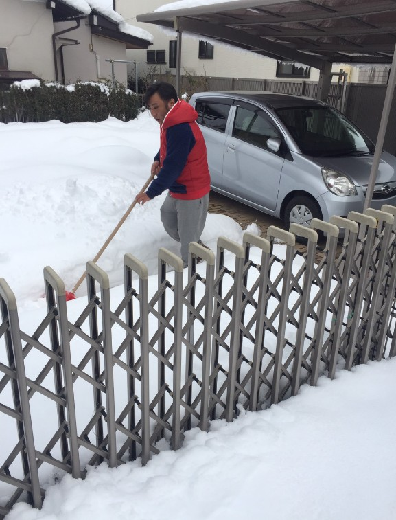 長野市 カーポートの除雪1