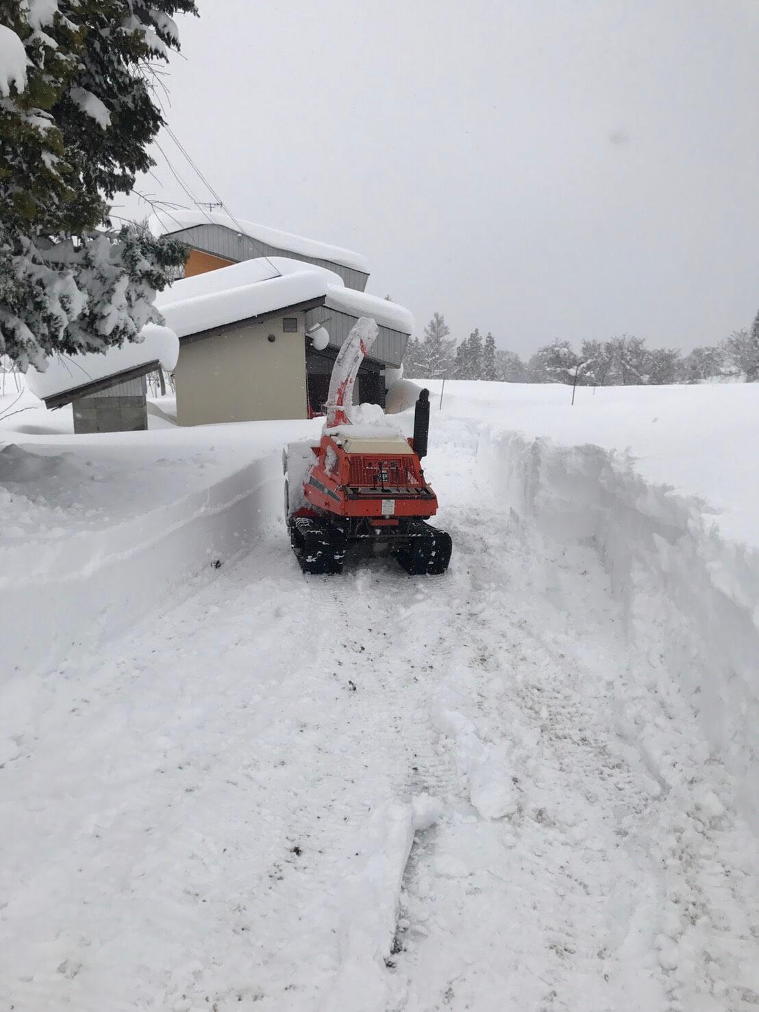野沢温泉村の除雪:道作り1