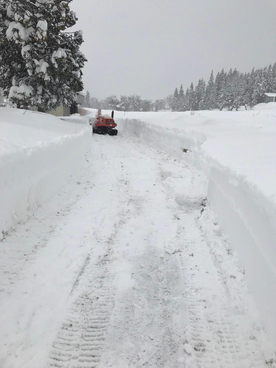野沢温泉村の除雪:道作り2