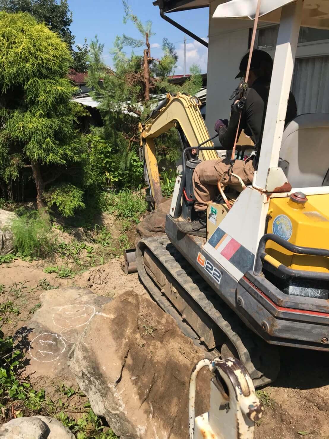 長野市松代町での庭石撤去作業3