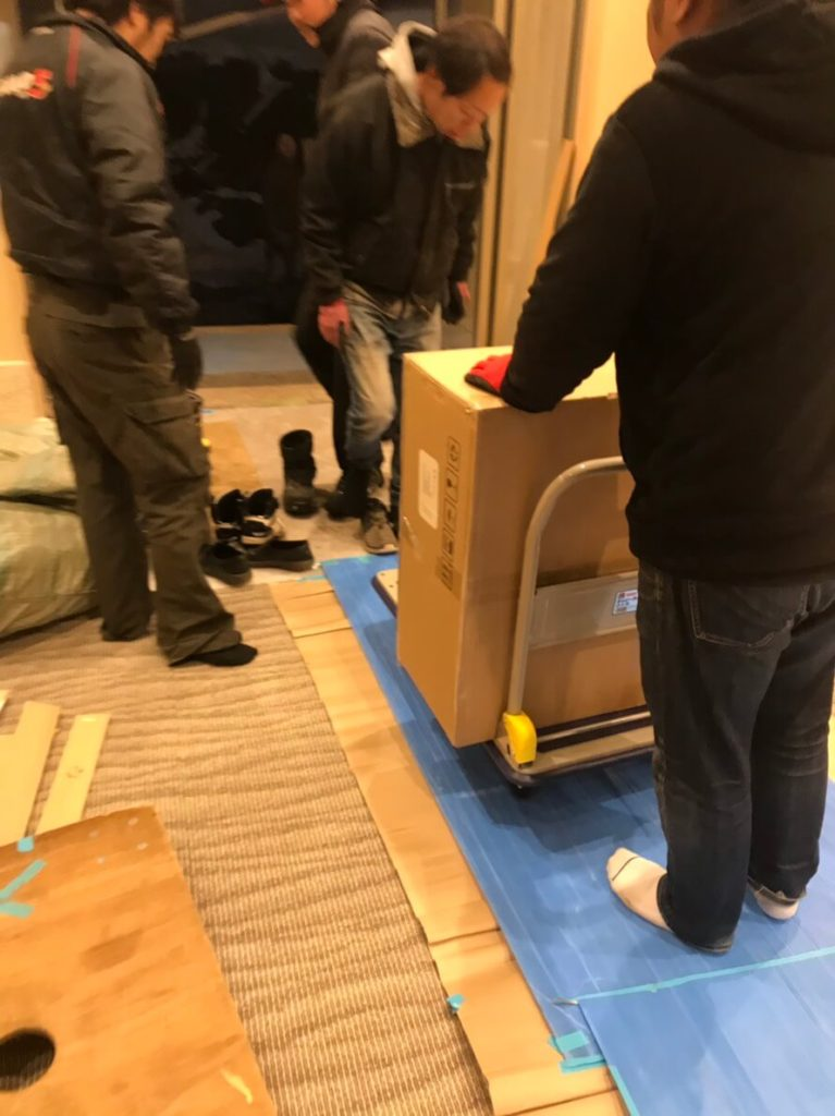北志賀高原のホテルでの搬入作業2